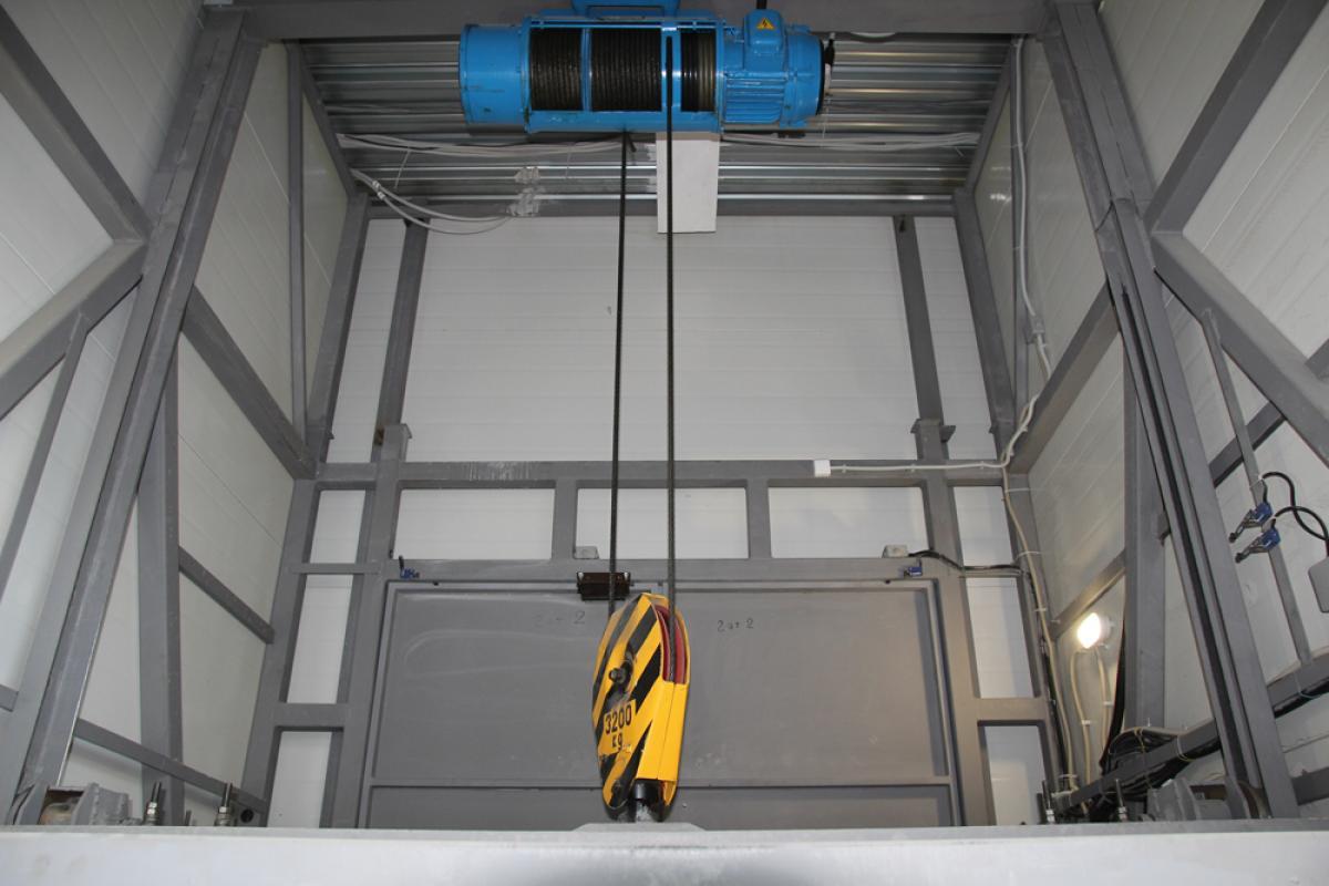 Изготовление и монтаж шахтных грузовых подъемников